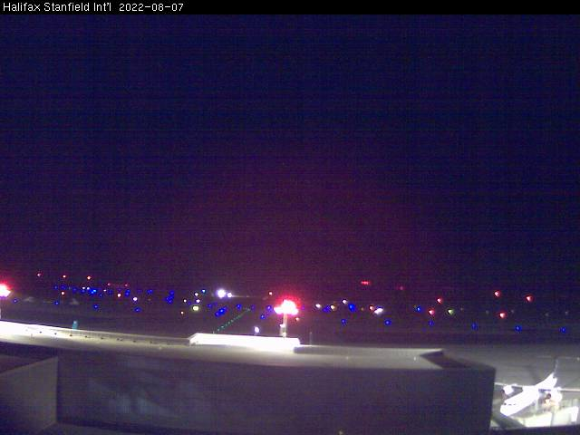 Webcam image of Airfield. Updated: 06:30 AM.